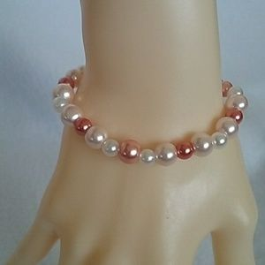 NWT Pink and white beaded stretch bracelet
